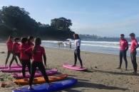 INICIO DE LA ACTIIVDAD DE SURF EN LA PLAYA DE BASTIAGUEIRO